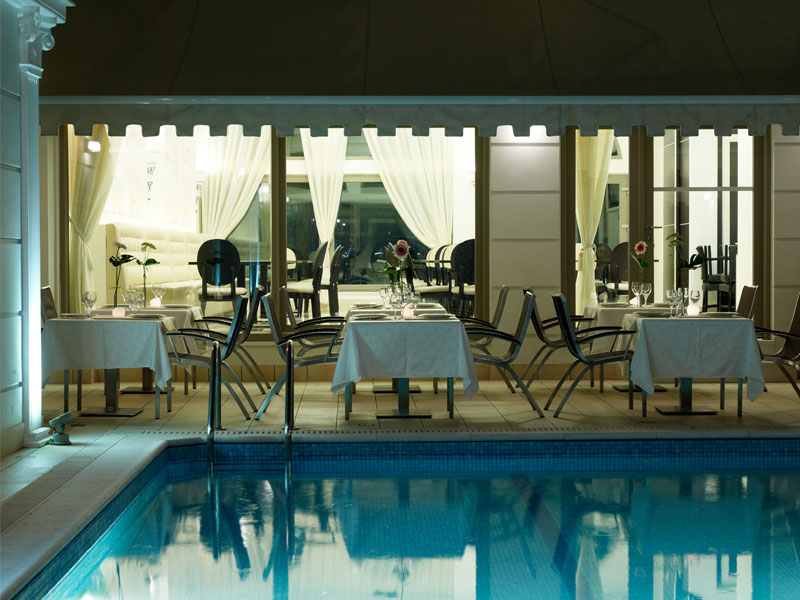 restaurant-pool-menelaion